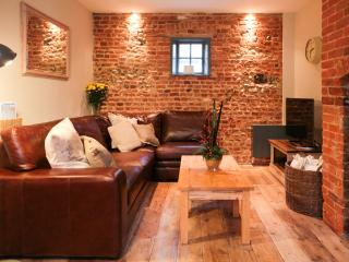 Luxury house in the heart of Holt - Holt vacation rentals