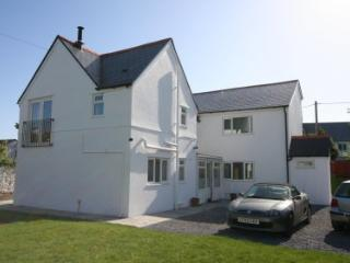 Charming 4 bedroom Cottage in Port Eynon - Port Eynon vacation rentals