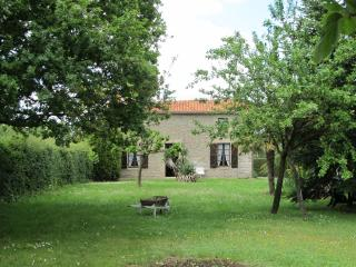Cozy 2 bedroom Les Herbiers House with Television - Les Herbiers vacation rentals