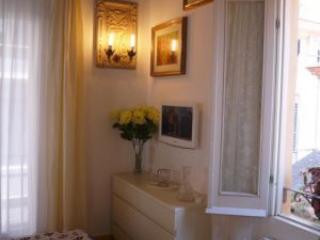 Trevi Savoia- Trevi Fountain - Rome vacation rentals