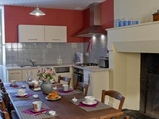 Nice Gite with Internet Access and Television - Cantillac vacation rentals
