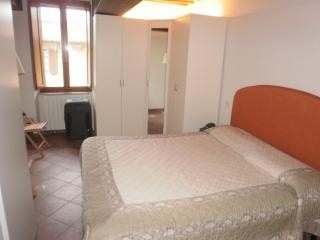 Nice Condo with Television and Parking - Sovicille vacation rentals