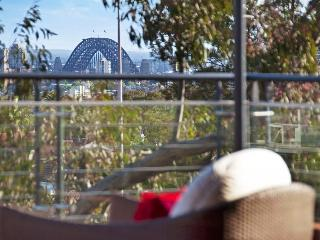Mosman Bridge View Executive Apartment - Mosman vacation rentals