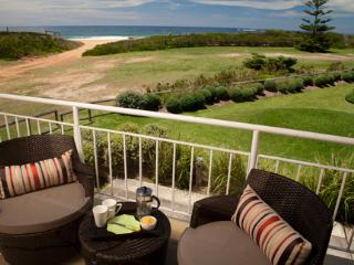 Newport Sea-Breeze (Absolute Beachfront) - Mona Vale vacation rentals