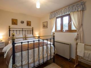 Bright Cottage with Local Guides and Towels Provided - Chipping Campden vacation rentals