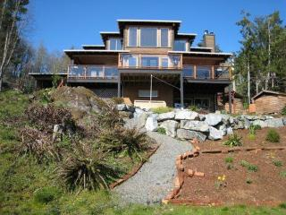 4 bedroom House with Internet Access in Sooke - Sooke vacation rentals