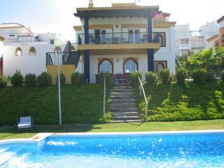 Luxury Golf Villa with Pool - Sanlucar de Barrameda vacation rentals