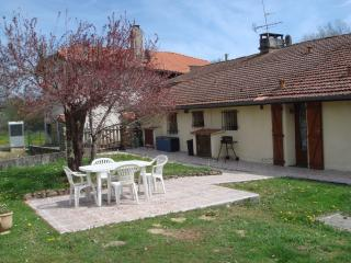 Nice Gite with Internet Access and Television - Bazordan vacation rentals