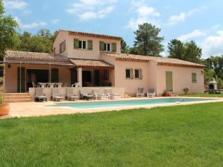 Spacious 4 bedroom Villa in La Mole - La Mole vacation rentals