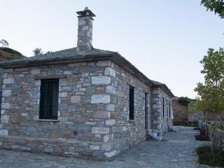 Diana Stone house with sea view - Agios Georgios Nilias vacation rentals