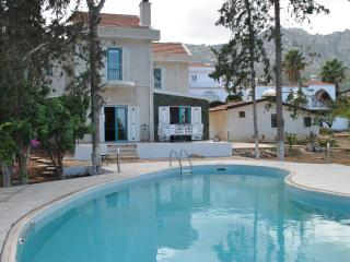 4 bedroom Villa with Television in Edremit (Trimithi) - Edremit (Trimithi) vacation rentals