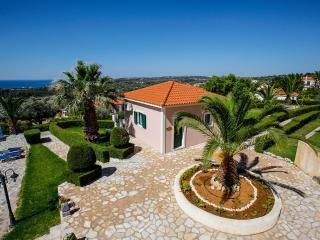 Perfect 2 bedroom Villa in Trapezaki - Trapezaki vacation rentals