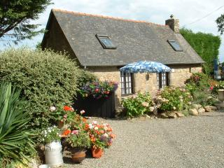 Beautiful 2 bedroom Cottage in Combourg - Combourg vacation rentals