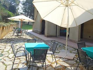 Bright House in Riparbella with Deck, sleeps 5 - Riparbella vacation rentals