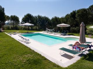 10 bedroom B&B with Internet Access in Morro D'alba - Morro D'alba vacation rentals