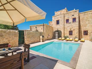 4 bedroom Farmhouse Barn with Internet Access in Zejtun - Zejtun vacation rentals