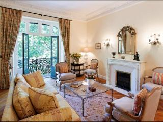 Place Vauban Luxury 3 Bedroom Cannes Vacation Rental - Cannes vacation rentals