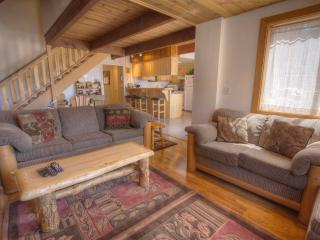 Chalet Close to Kings Beach with Jacuzzi Tub ~ RA857 - Kings Beach vacation rentals
