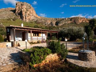 2 bedroom Villa with A/C in Castelluzzo - Castelluzzo vacation rentals