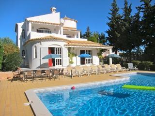 Villa Tenazinha 1 - BEST RATES IN LOW SEASON - Olhos de Agua vacation rentals