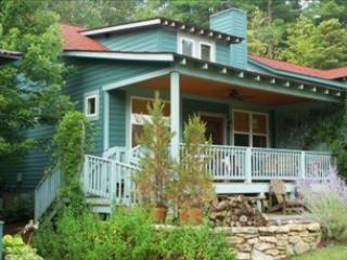 Property 97037 - Picturesque House with 2 BR & 2 BA in Flat Rock (The Lark 97037) - Flat Rock - rentals