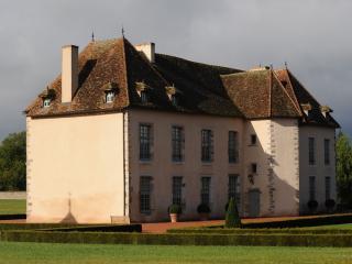Les Résidences du Château - Vianges vacation rentals