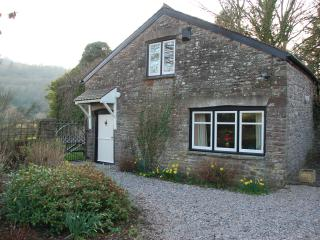 2 bedroom Cottage with Internet Access in Crickhowell - Crickhowell vacation rentals