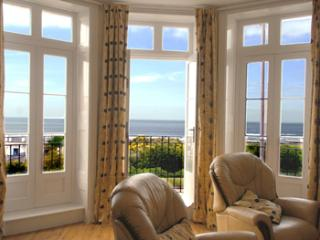 2 bed 2 bath balcony flat with Stunning Sea Views! - Margate vacation rentals