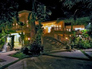 Luxury Villa Steps From The Beach - Kihei vacation rentals