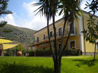 1 bedroom Condo with Internet Access in San Mauro Cilento - San Mauro Cilento vacation rentals