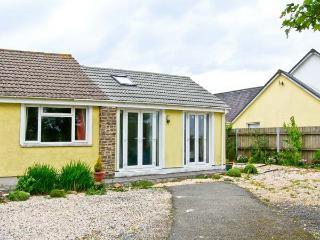 1 BARATHEANS, all ground floor, enclosed garden with furniture, great base for walking, Ref 7139 - Saint Davids vacation rentals