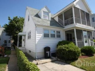 Ocean Block, Ocean View Second Floor Apartment with Screened in Porch Sleeping 8 in 3 Bedrooms - Millsboro vacation rentals