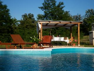 Perfect Villa with Internet Access and A/C - Cabrunici vacation rentals