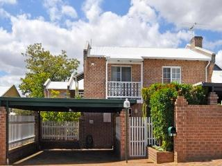TEA TREE TERRACE, SUBIACO - Subiaco vacation rentals
