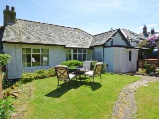 BYWELL, all ground floor, woodburning stove, off road parking, garden, in Rothbury, Ref 913216 - Warkworth vacation rentals