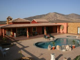 Charming Villa with Internet Access and Satellite Or Cable TV - Triquivijate vacation rentals
