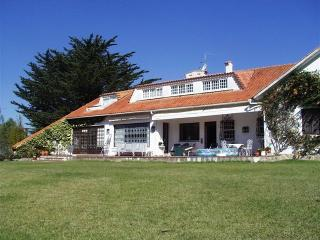 Lovely Villa with Deck and Internet Access - Galamares vacation rentals