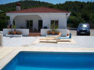 Nice Villa with Internet Access and Satellite Or Cable TV - Villamarchante vacation rentals