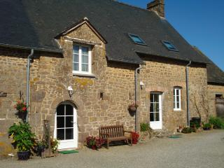Perfect Gite in Saint Denis de Gastines with Satellite Or Cable TV, sleeps 6 - Saint Denis de Gastines vacation rentals