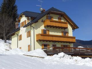 Cozy 1 bedroom Tarvisio Apartment with Internet Access - Tarvisio vacation rentals
