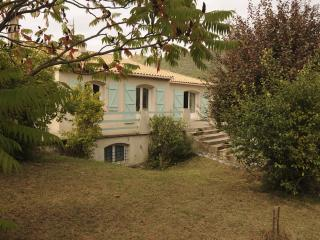 Beautiful House with Internet Access and Grill - Belvianes et Cavirac vacation rentals