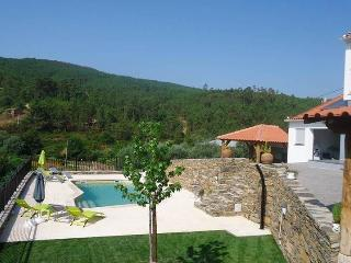 4 bedroom Villa with Internet Access in Oleiros - Oleiros vacation rentals