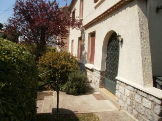 Lovely House with Internet Access and Garden - Carcassonne vacation rentals