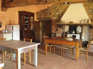 Agriturismo il Casalino - la Casa - Casale di Pari vacation rentals