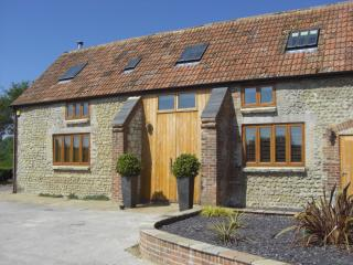 Bright 4 bedroom Maiden Newton Barn with Satellite Or Cable TV - Maiden Newton vacation rentals