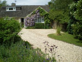 Little Haven. Stratford Road, Cranhill, Bidford-on-Avon, Alcester, Warwickshire. - Stratford-upon-Avon vacation rentals