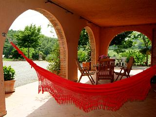Podere Sionne: Striking Tuscan holiday villa rental in Siena Province - Chiusi vacation rentals