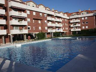 Penthouse with pool. FREE WIFI - Castro Urdiales vacation rentals