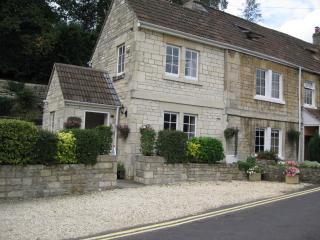 Beautiful 5 bedroom Cottage in Bradford-on-Avon with Internet Access - Bradford-on-Avon vacation rentals