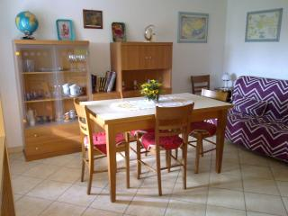 Beautiful Condo with Short Breaks Allowed and High Chair - Poggibonsi vacation rentals